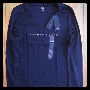 Women's Tommy Hilfiger LS V-Neck T-shirt. Navy NWT